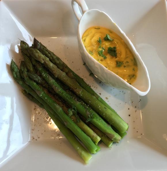 Asparagus and mint hollandaise